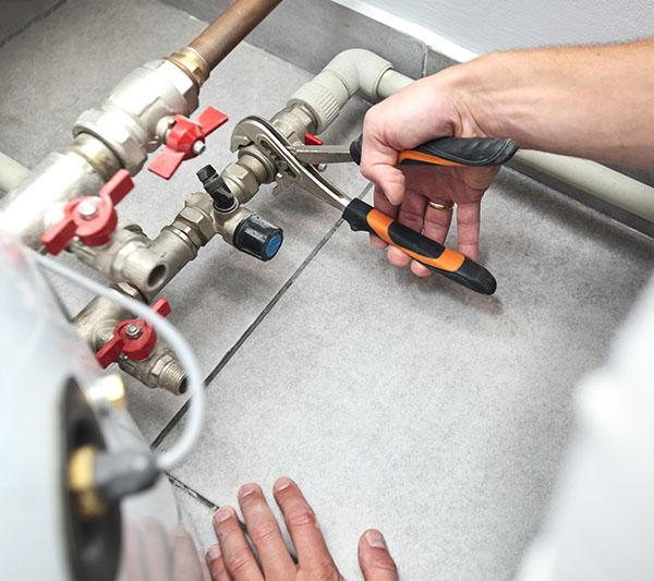 L'installazione di una tubatura idrica